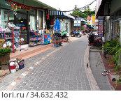 Shop line path at Hat Sai Ri beach Ko Tao island Thailand. Стоковое фото, фотограф Andrew Woodley / age Fotostock / Фотобанк Лори