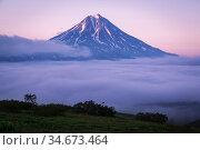 Bottom fog in the area of Vilyuchinsky volcano. Редакционное фото, фотограф Вита Фортуна / Фотобанк Лори