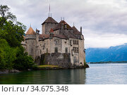 View of Chillon castle on the Geneva lake in Montreux. Стоковое фото, фотограф Яков Филимонов / Фотобанк Лори