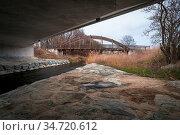 Brücke neu und alt über die Wulka im Burgenland. Стоковое фото, фотограф Zoonar.com/Ewald Fr / easy Fotostock / Фотобанк Лори