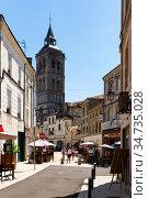 Cognac street overlooking bell tower of Saint Leger Church. Редакционное фото, фотограф Яков Филимонов / Фотобанк Лори