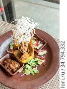 Chicken Sate Skewers, Thai groumet cuisine. Стоковое фото, фотограф Zoonar.com/Vichie81 / easy Fotostock / Фотобанк Лори