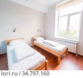 The twin bed room in hotel. Стоковое фото, фотограф Elnur / Фотобанк Лори
