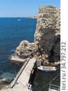 Причал у мыса Большой Атлеш на полуострове Тарханкут, Крым. Редакционное фото, фотограф Николай Мухорин / Фотобанк Лори
