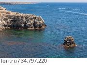 Скалы побережья полуострова Тарханкут, Крым. Стоковое фото, фотограф Николай Мухорин / Фотобанк Лори