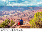 Hike in Canyonlands National Park, Utah, USA. Стоковое фото, фотограф Zoonar.com/Galyna Andrushko / easy Fotostock / Фотобанк Лори