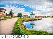 Александро-Невская часовня около Соловецкого монастыря. Стоковое фото, фотограф Baturina Yuliya / Фотобанк Лори