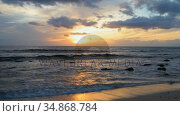 Beautiful sea beach with waves 4k. Стоковое видео, агентство Wavebreak Media / Фотобанк Лори
