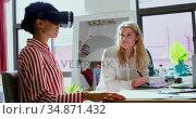 Fashion designers using virtual reality headset and graphic tablet 4k. Стоковое видео, агентство Wavebreak Media / Фотобанк Лори