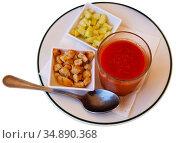 Glass of gazpacho with cucumber and croutons. Стоковое фото, фотограф Яков Филимонов / Фотобанк Лори