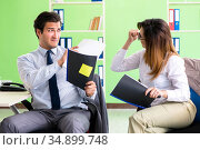 Two colleagues working in the office. Стоковое фото, фотограф Elnur / Фотобанк Лори
