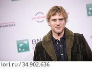 Johnny Flynn attends the photocall of the movie 'Stardust' during... Редакционное фото, фотограф AGF AGF / age Fotostock / Фотобанк Лори