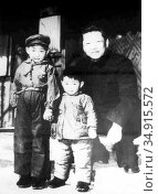 Xi Zhongxun (October 15, 1913 – May 24, 2002) was a communist revolutionary... Редакционное фото, фотограф Pictures From History / age Fotostock / Фотобанк Лори