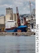 Croatia, Rijeka - BBC Century freighter in port, unloading of prefabricated steel parts. Редакционное фото, агентство Caro Photoagency / Фотобанк Лори