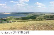 Асликуль - самое крупное озеро в республике Башкортостан. Вид с холма. Стоковое видео, видеограф Кекяляйнен Андрей / Фотобанк Лори
