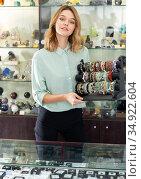 Female demonstrating jewelry. Стоковое фото, фотограф Яков Филимонов / Фотобанк Лори