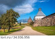 Каменные башни Соловецкого монастыря на Соловках. Стоковое фото, фотограф Baturina Yuliya / Фотобанк Лори