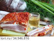 Сало с водкой,черным хлебом и луком. Стоковое фото, фотограф Марина Володько / Фотобанк Лори