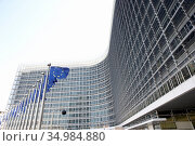 Europe flag,brussels,european commission,berlaymont building. Стоковое фото, фотограф Monkey Business / easy Fotostock / Фотобанк Лори