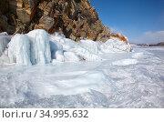 Rocks covered by ice on winter siberian Baikail lake. Стоковое фото, фотограф Serg Zastavkin / Фотобанк Лори