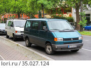 Volkswagen Transporter (2013 год). Редакционное фото, фотограф Art Konovalov / Фотобанк Лори