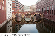 Speicherstadt, warehouse district in Hamburg, Germany (2018 год). Стоковое фото, фотограф EugeneSergeev / Фотобанк Лори