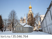 Летний дом архиерея в Вологодском кремле (2016 год). Редакционное фото, фотограф Юлия Бабкина / Фотобанк Лори