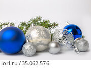 Blue and silver Christmas balls. Стоковое фото, фотограф Юлия Бабкина / Фотобанк Лори
