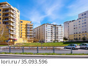Warsaw, Mazovia / Poland - 2020/04/18: Newly developed tight residential... Редакционное фото, фотограф bialorucki bernard / age Fotostock / Фотобанк Лори