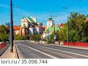 Warsaw, Mazovia / Poland - 2020/05/09: Panoramic view of Stare Miasto... Редакционное фото, фотограф bialorucki bernard / age Fotostock / Фотобанк Лори