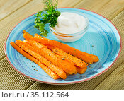 Carrot sticks with creamy dip. Стоковое фото, фотограф Яков Филимонов / Фотобанк Лори