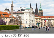 Prague old town view with St. Vitus Cathedra (2017 год). Редакционное фото, фотограф EugeneSergeev / Фотобанк Лори