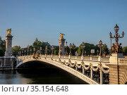 Alexander III bridge, Paris, France. Стоковое фото, фотограф Philippe Lissac / Godong / age Fotostock / Фотобанк Лори