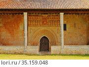Romanesque church of Nuestra Señora de las Asunción. Pisón de Castrejón... Стоковое фото, фотограф Jacobo Hernández / age Fotostock / Фотобанк Лори