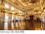 St George's Hall (referred to as Great Throne Room) in Winter Palace. Saint Petersburg, Russia (2015 год). Редакционное фото, фотограф Наталья Волкова / Фотобанк Лори