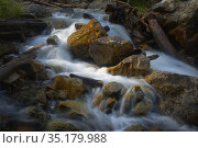 Stormy stream. Стоковое фото, фотограф александр жарников / Фотобанк Лори