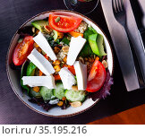traditional mediterranean salad with cheese and quinoa. Стоковое фото, фотограф Яков Филимонов / Фотобанк Лори