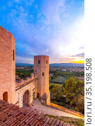 Torri di Properzio and Porta Venere, Spello, Perugia, Umbria, Italy... Стоковое фото, фотограф ProCip / age Fotostock / Фотобанк Лори