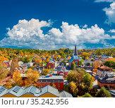 Montpelier town skyline at autumn in Vermont, USA. Стоковое фото, фотограф Zoonar.com/NIKOLAY OKHITIN / easy Fotostock / Фотобанк Лори
