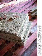 wall insulation with glass wool. Стоковое фото, фотограф Типляшина Евгения / Фотобанк Лори