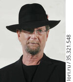 Roger McGuinn 05-3-09 Photo By John Barrett/PHOTOlink (2008 год). Редакционное фото, фотограф Photo By John Barrett/PHOTOlink / age Fotostock / Фотобанк Лори