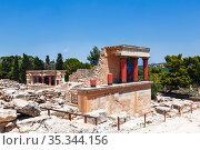 The Palace of Knossos in Crete, Heraklion, Greece (2017 год). Стоковое фото, фотограф Наталья Волкова / Фотобанк Лори