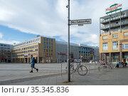 Berlin, Germany - The Alice-Salomon-Platz in Berlin-Hellersdorf (2018 год). Редакционное фото, агентство Caro Photoagency / Фотобанк Лори