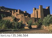 Ouarzazate, Morocco, ancient clay buildings of the fortress of Ksar A•t-Ben-Haddou (2010 год). Редакционное фото, агентство Caro Photoagency / Фотобанк Лори