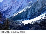 Pralognan-la-Vanoise valley view from mountain. Стоковое фото, фотограф Сергей Новиков / Фотобанк Лори