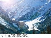 Snow covered Pralognan-la-Vanoise valley view top. Стоковое фото, фотограф Сергей Новиков / Фотобанк Лори