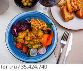 Cesar style salad with antique mustard vinaigrette. Стоковое фото, фотограф Яков Филимонов / Фотобанк Лори