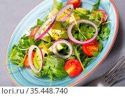 Light salad with avocado, arugula. Стоковое фото, фотограф Яков Филимонов / Фотобанк Лори
