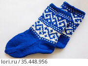 Тёплые носки вязаные спицами. Стоковое фото, фотограф Галина Савина / Фотобанк Лори