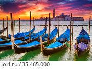 View on gondolas in Venice. Стоковое фото, фотограф Sergey Borisov / Фотобанк Лори